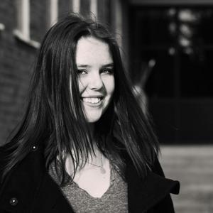Anna Tofilovski är 17 år och studerar vid estetiska programmet inrikting medieproduktion i Ljusdal.