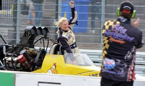 Anita Mäkelä vann den första elimineringsomgången i Top Fuel Dragster.