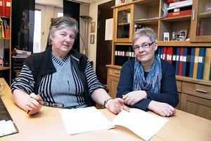 Vår uppfattning är att det är få flyktingar som har blivit dåligt bemötta i kommunen. Vi får snarare ta emot positiva reaktioner. Ovanåker har en god tradition att ta emot flyktingar, allt sedan andra världskriget, säger Ingrid Lundin och Carina Lindberg.