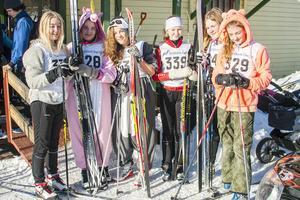 Några av tjejerna i årskurs sex på Norra skolan i Sveg passade på att spexa lite. Saga Häljeryd, Sandra Tenbring-Smeds, Ella Hagberg, Tilde Hansson, Emma Björninen och Rebbecca Lepik-Thomasdotter.