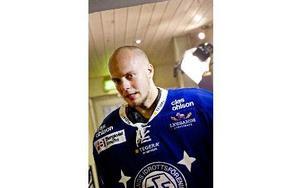 Ordentligt i rampljuset. Målvakten Oscar Alsenfelt har varit Leksands klart bästa spelare så här långt på säsongen. Landslagsklass, enligt DD-sportens reporter Lars Ingvar Eriksson.Foto: ULF PALM / TT