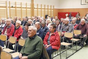 Omkring 100 personer kom för att se filmen om bygdens stolthet.