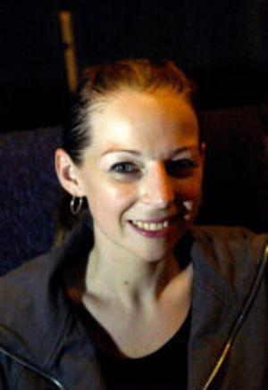Sara Rönström har utbildat sig på Kulturama och Balettakademin i sju år. Imorgon står hon på scenen när musikalen Camping - Klart man ska ha husvagn har premiär.