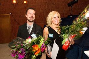 Mattias Pettersson och Jenny Larson är Årets företagare i Ludvika kommun. Strax efter prisutdelningen var de fortfarande omtumlade – och mycket glada. Foto: Daniel Patino Flor