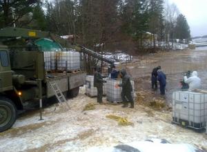 Dessa bilder är tagna från saneringsarbetet som just nu pågår med hjälp av Resurscentrum.