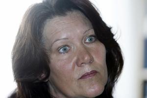 Primärvårdsdirektör Anna-Lena Lundberg tror inte att många invånare vet om att kostnaderna för nätläkare belastar deras egen hälsocentral. Berörda hälsocentraler har samtidigt inte märkt att nätläkarna innebär någon avlastning i arbetsbördan.
