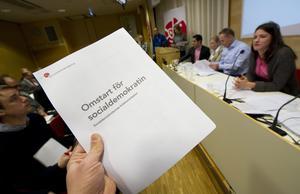 Diger lunta. Socialdemokraternas kriskommission kom i går med sin rapport om vad som varit fel och om vad som bör göras.