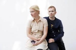 """Par i konst. Nathalie Djurberg tilldelades på lördagen Silverlejonet på Venedigbiennalen   för sin installation """"Experimentet"""". Hon delade glädjen med samarbetspartnern och pojkvännen Hans Berg.  Foto: Malin Hoelstad/SvD/Scanpix Foto: Sara Ullberg"""