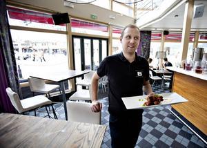 Daniel Carlsson, en av delaägarna i Brända Bocken.