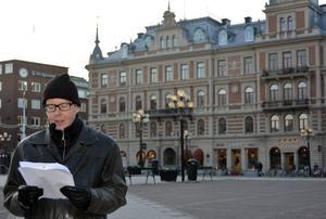 Jonas Moström vid Hirschska huset, hans deckarhjälte Johans Axbergs fasta punkt.