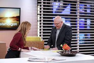 David Bylund från Gävle är från och med i morse 100.000 kronor rikare. Här med programledare Tilde de Paula i nyhetsmorgon.