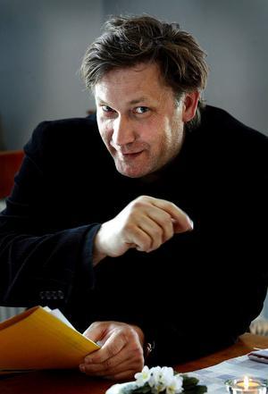 Iso Porovic var förra sommaren gäst på ST:s kultursida och skrev dikter. Nu ges dikterna ut i bokform.