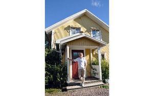 """I december flyttar Griggus Per Norberg Släktforskarnas hus hem till sig själv, närmare bestämt Griggusgården i Anstahyttan, Stora Skedvi. """"På något vis ska det lösas med besöken"""", säger han. Foto: Pär Sönnert/DT"""