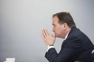 Ta bladet från munnen och garantera fler investeringar i Sverige, uppmanar LO.