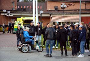 Ånge kommuns åttor och nior fick bland annat se och testa olika handikapphjälpmedel när det ordnades upplevelsedagar i Ljungaverk.
