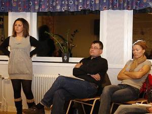 Anna Lindmark tillsammans med Thomas Blomqvist och Veronica Nilsson tyckte inte politikerna gav några svar.  politikerna