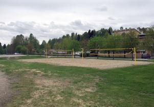 En ny spontanidrottsplats kommer att byggas på Sticksjö skola i Granloholm. Det finns beslut på ytterligare fyra i kommunen: Liden, Bosvedjan, Bredsand och Alnö.