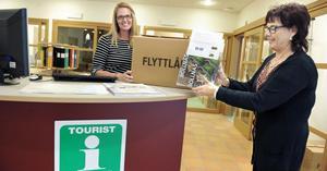 Katarina Bäckström och Gunilla Byström är inflyttade och redo att hjälpa turister.