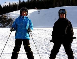 - Lite hårt och is men det går ända bra, tycker från vänster Jesper Häggström och Tom Söderström.