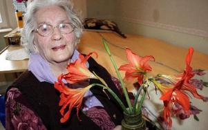 -- Vi är många som har njutit av den här blomman genom åren, säger Doris Mattsson. FOTO: LINNEA JOHANSSON