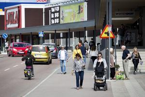 Kommunen planerar en ny linje som passerar handelsområdet Norra Backa.