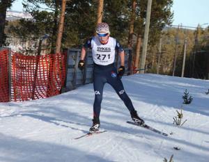 Jesper Persson ångade fram i spåret.