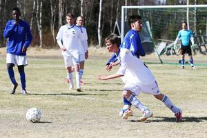 Oskar Jonsson, en av två 99 i Lillhärdals lag. Den andra är William Zetterlund.