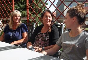 Heléne Forsberg, tf enhetschef, Maria Carlund, verksamhetschef och Maria Larsson, sjuksköterska, hoppas på en positiv spiral när det gäller verksamheten på Svegs hälsocentral.