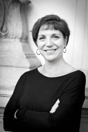 Åsa Albinsson tycker att klimakteriet är en perfekt tid i livet. Att slippa mens och strunta i vad andra säger är två av periodens fördelar, menar hon.