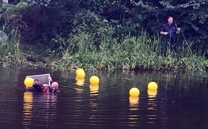Den tioende augusti genomförde polisen dykningar i Svartån efter försvunna Fatima Berggren.