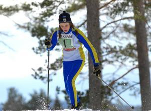 Skiddrottning. Stina Nilsson stod i en klass för sig då Kalle Anka Cup avgjordes. På hemmaplan kunde den 14-åriga Malungstjejen ta en trippel individuellt samt att hon ingick i det segrande skicrosslaget.