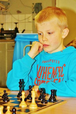 Schackfemmans segrare Anton Stjerna-Kuttainen, Grevåkerskolan, Hammerdal.