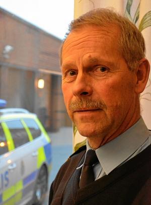 Bo Rosendahl, biträdande närpolischef i Sydnärke, råder de som blir vittne till ett brott att iaktta så noga som möjligt och sedan kontakta polisen.BILD: SAMUEL BORG