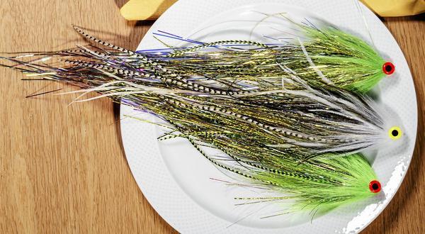 Godis för en gädda är serverad. Fiskas hem ryckvis och ska då påminna om någon ätbar småfisk.