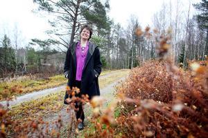 Ewa Wiklund återvänder ofta till barndomsbyn Edsäter och sommarstugan i Hårte.