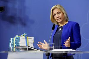 Finansmininster Magdalena Andersson presenterar budgetpropositionen under en pressträff i Rosenbad i Stockholm.