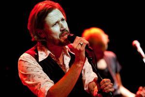 Stämningsfullt. Carl-Johan Vallgren, gav en trivsam konsert på Spegeln i Gävle på torsdagskvällen.