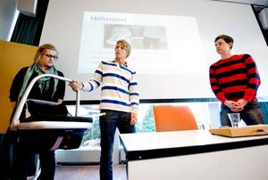 Emma Nyberg, Mathias Lagestam och Olle Larsson berättar om höftstödet som de tror kan underlätta föräldrars vardag.