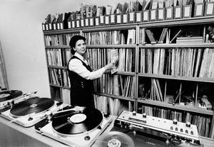 Musikbiblioteket. Kerstin Färnlöf lånade ut den senaste musiken och försökte också få ungdomar att lyssna på något klassiskt.