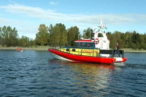 Rescue Olle Bohlin Byggnads AB är båtens hela namn och den är skänkt av ett företag till Sjöräddningssällskapet.