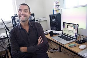 Filmare, musiker, professor och klippare, Johan Söderberg har alltid ett nytt projekt på gång.