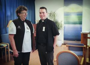 Kerstin Söderberg, sjukhusdiakon, och Håkan Stiberg, sjukhuspräst, erbjuder stöd till patienter, anhöriga och till landstingets anställda.