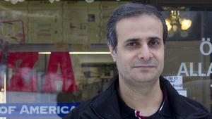 Moustafa Ali driver US Pizza, som blivit utsedd till Fagerstas bästa pizzeria enligt OnlinePizza.
