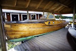 1. En så kallad Pettersson-båt som Erik Bergqvist byggde 1937 åt Hugo Fors i Njutånger. Den finns att beskåda i dag på museet i Borka, Enånger.