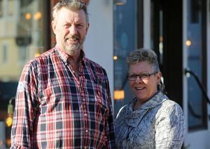 Kent och Lena Olofsson tog över Svegs Möbler för två år sedan och driver familjeföretaget vidare.