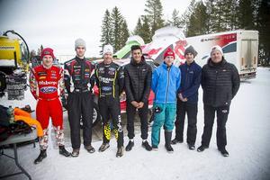 Från vänster, Kevin Eriksson, Niclas Grönholm, Patrik Sandell, Tejas Serani, Oliver Eriksson, Sebastian Eriksson och teamets chef Andreas Eriksson.
