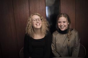 Josefina Hilding och Hanna Sjödin jobbar med härberget för EU-migranter.