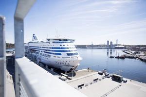 Mängder av stöldgods passerar via färjorna i Frihamnen och andra hamnar över Östersjön.