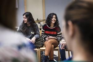 På onsdagsförmiddagen fick eleverna delta i en work shop i folkmusik med Låtverkstan.