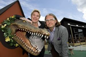 """Tomas Cederlund och Simon Davies utser Sveriges bästa hemmafixare i TV3:s nya program """"Stora byggslaget""""."""